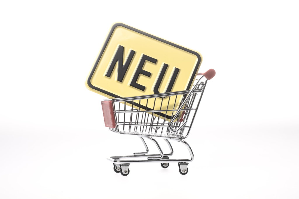 Einkaufswagen mit Schild