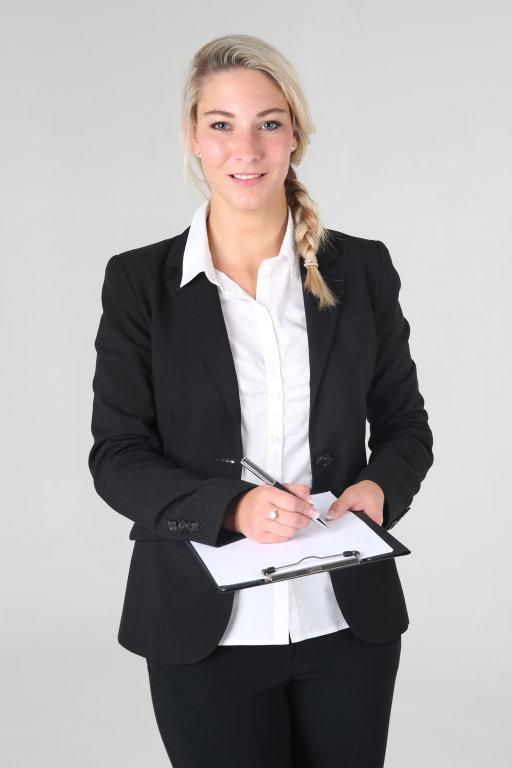 Business Frau mit Klemmbrett