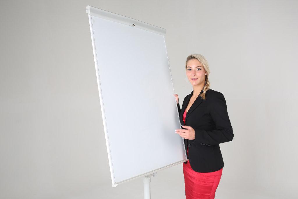 Business Frau an Flipchart