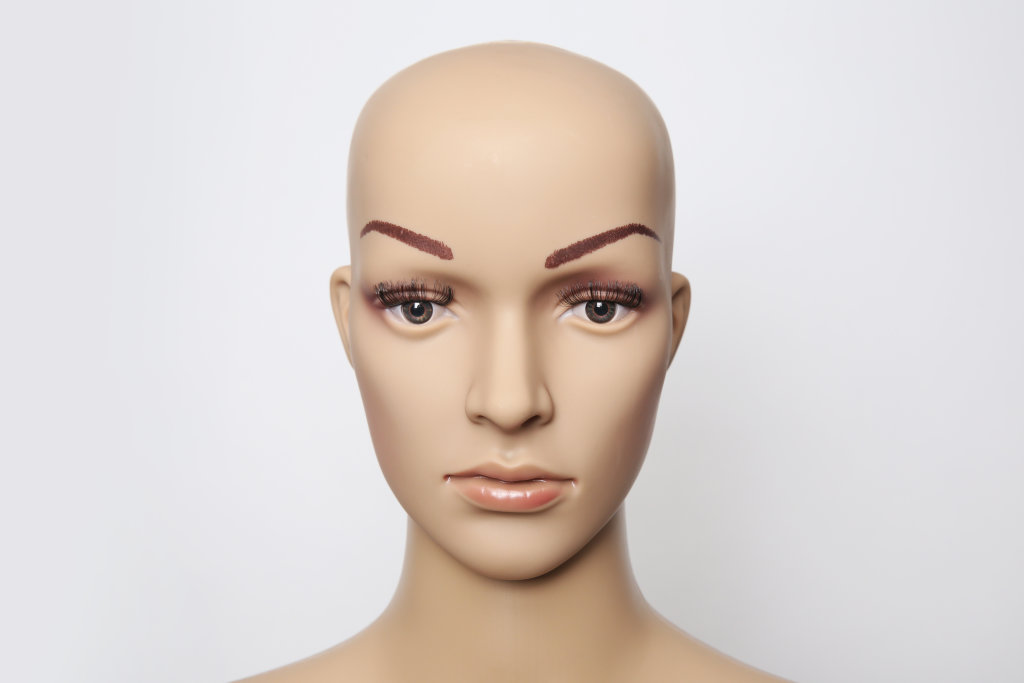 Beauty mit Glatze