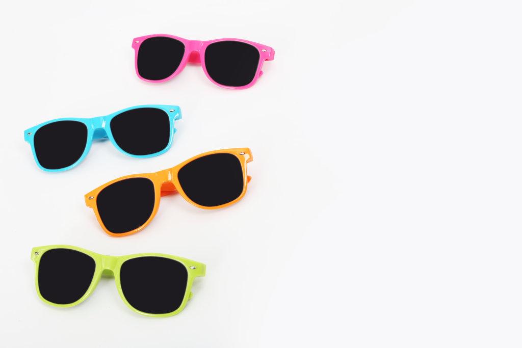 bunte Sonnenbrillen