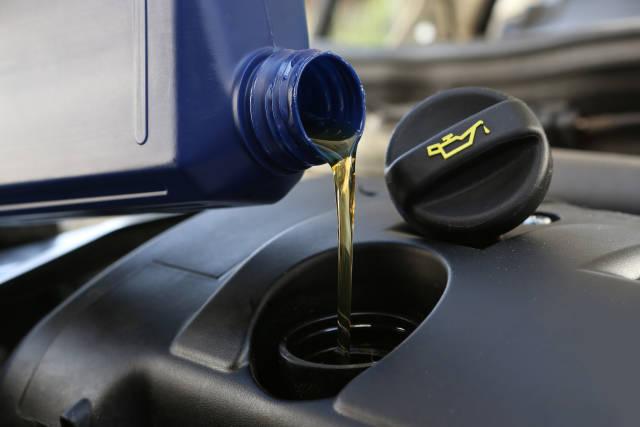 Motoröl einfüllen