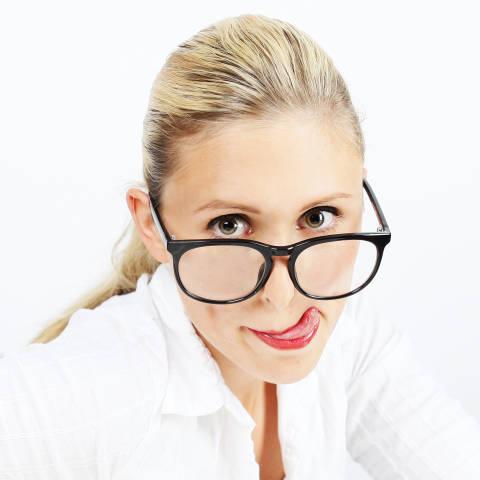 Frau mit Nerdbrille