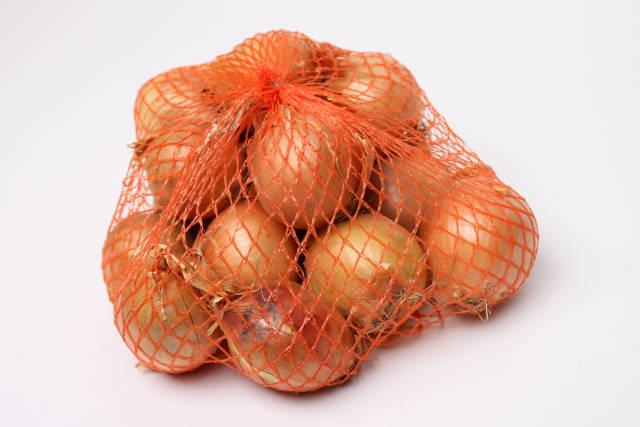 Zwiebeln im Netz