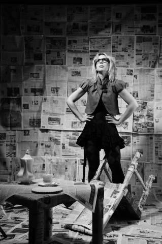 Zeitungsfrau