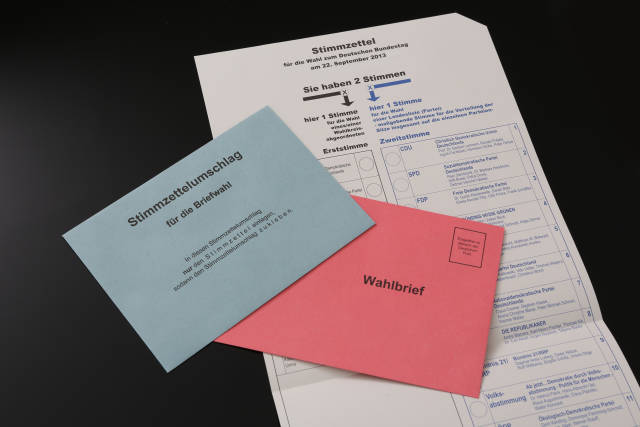 Wahlunterlagen + Briefwahl (2013)