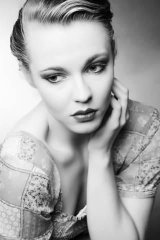 Model (schwarz-weiß)