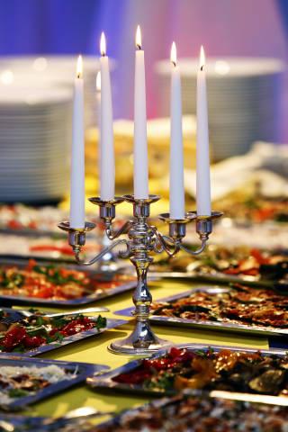 Buffet mit Kerzenleuchter