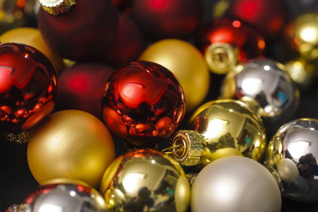 Weihnachtskugelhaufen close-up