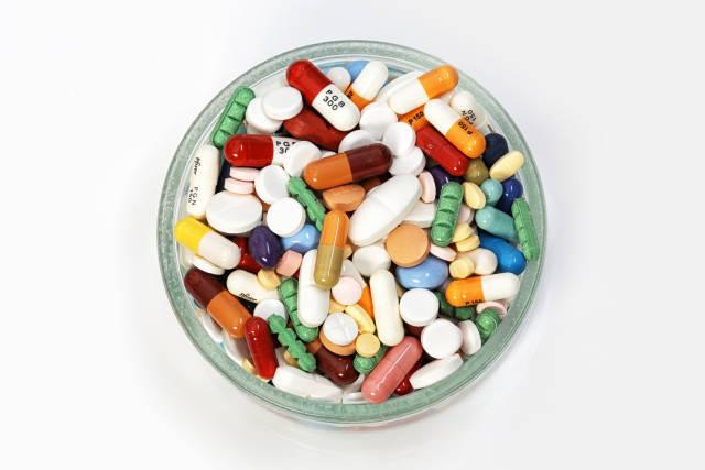Pillen im Glas