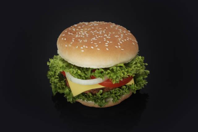 Burger auf Schwarz