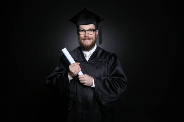Absolvent mit Diplom