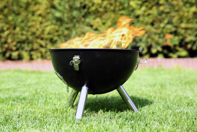 Grill anfeuern