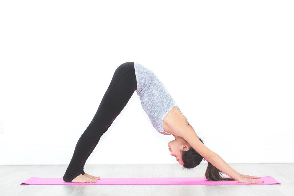 Yoga - Nach unten schauender Hund