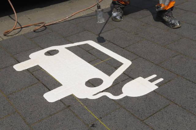 Markierungsarbeiten Elektrotankstelle