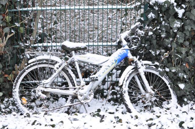 Mountainbike im Schnee