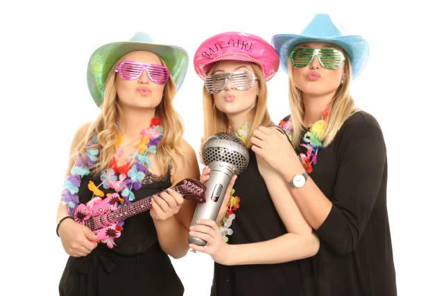 Frauen auf Party