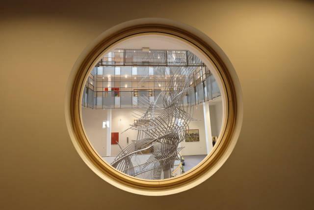 Skulptur im EU-Parlament