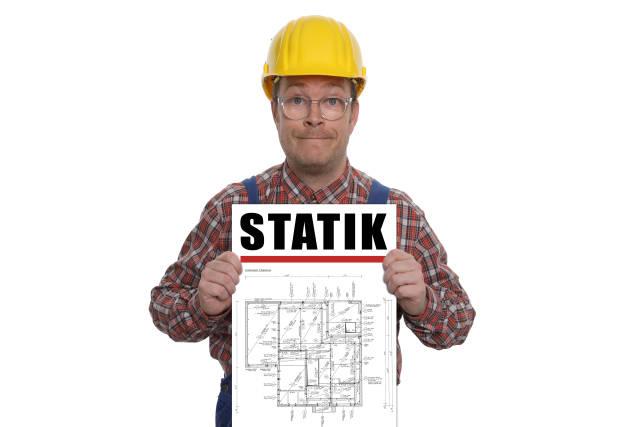 Bauarbeiter mit Statikplan