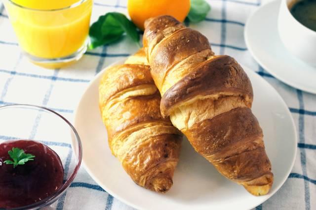 Frühstück mit Croisants