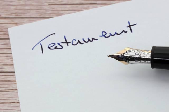Testament mit Füller