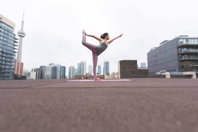 Yoga auf dem Dach