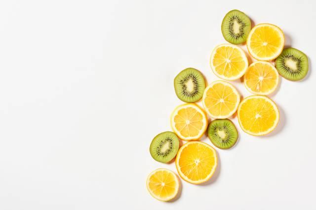 Zitronen und Kiwis