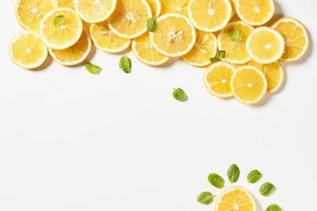 Zitronen und Minze