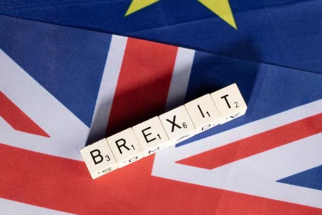 Brexit-Text mit Flaggen des Vereinigten Königreichs und der Europäischen Union