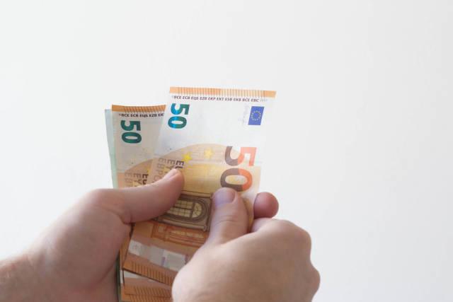 Geld per Hand zählen