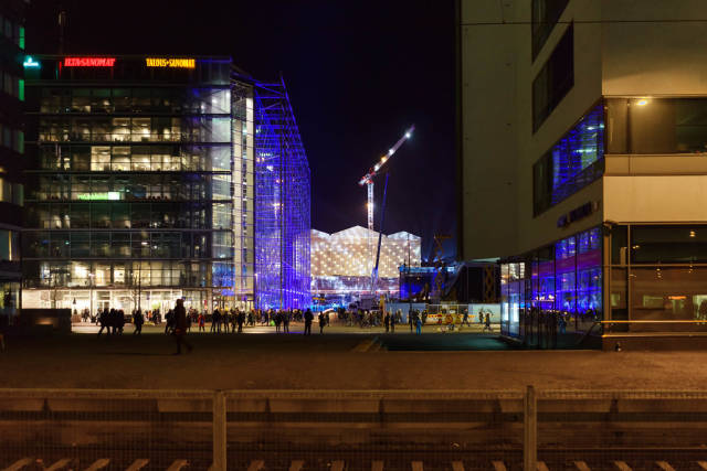 Main square in Helsinki at night / Hauptplatz in Helsinki in der Nacht