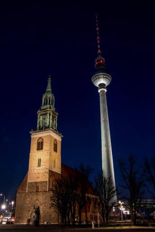 St. Marienkirche and Berliner Fernsehturm at night