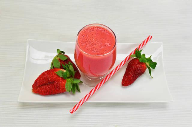 Erdbeer-Smoothie (Strawberry Cocktail)
