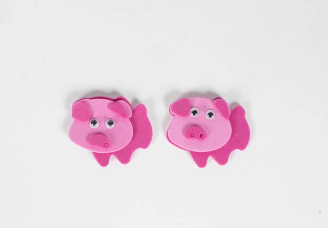 Zwei rosafarbene Schweine