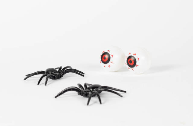 Halloween eyees with spiders