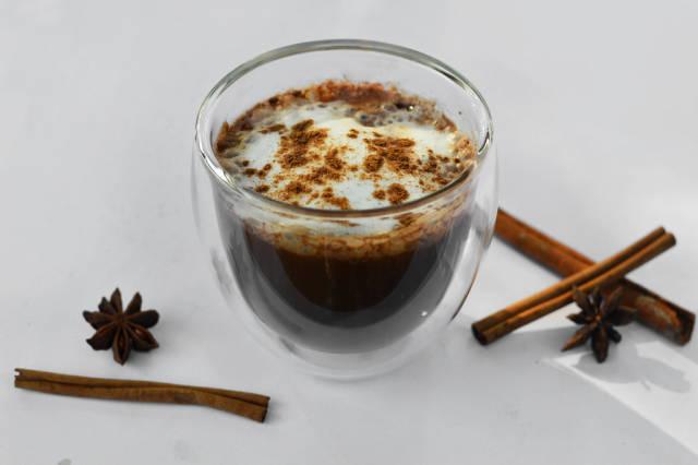 Coffee with cardamom and cinnamon