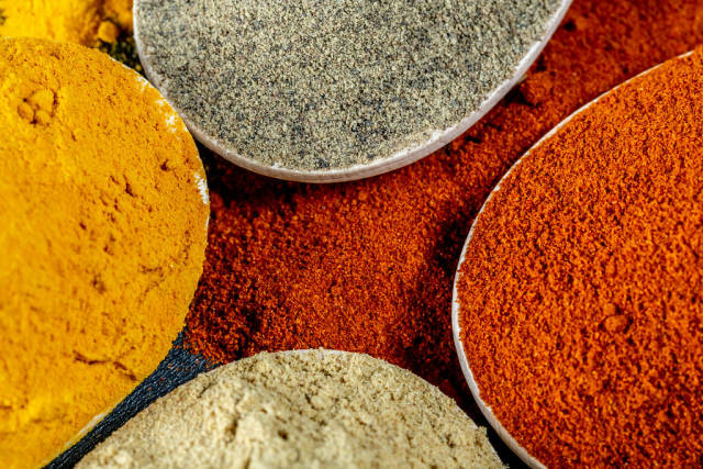 Natural ground spices for healthy cooking