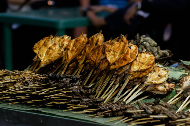 Chicken barbecues displayed to attract customers