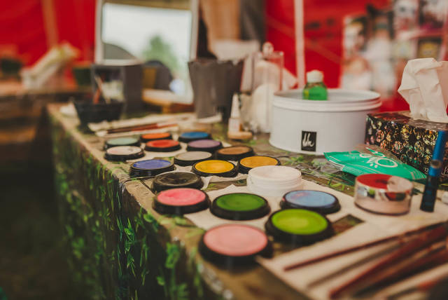 Different Colors Of Face Painting Masterclass