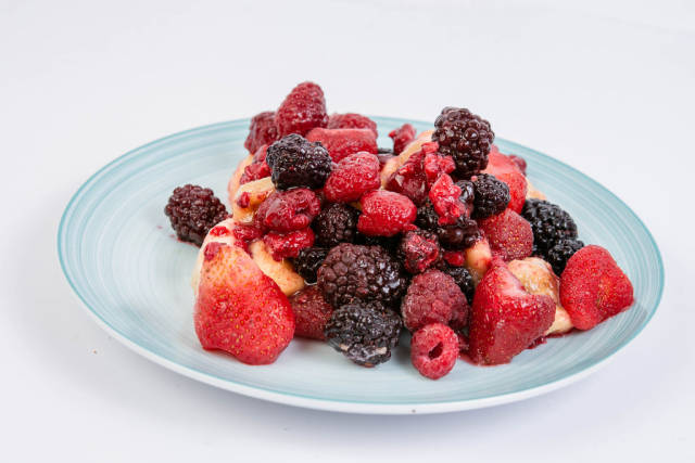 Raspberry Blackberry and Banana mixture on the plate