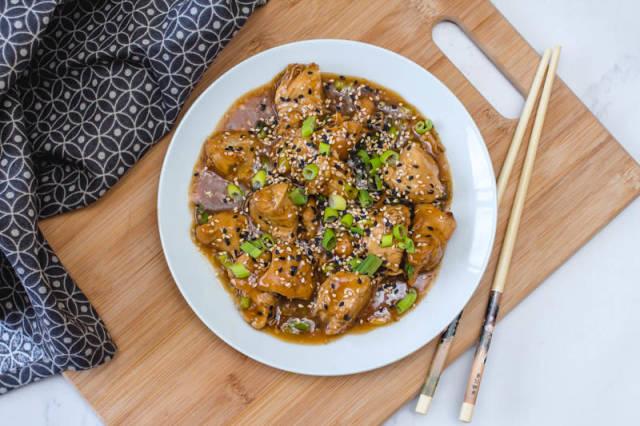 Teriyaki Chicken with Green Onion and Sesame Seeds