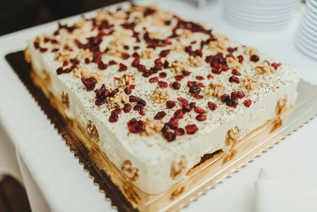 Walnut, Cranberry, Cheese Cake