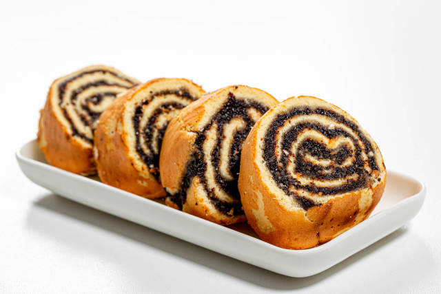 Sliced sponge roll with poppy seed filling