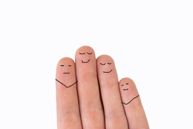 Painted fingers are happy to be friends