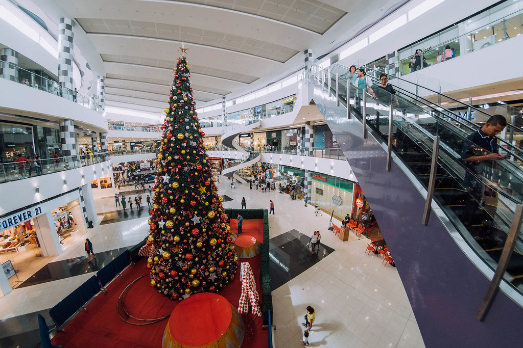 Giant Christmass Tree in a shopping mall, Bacolod City