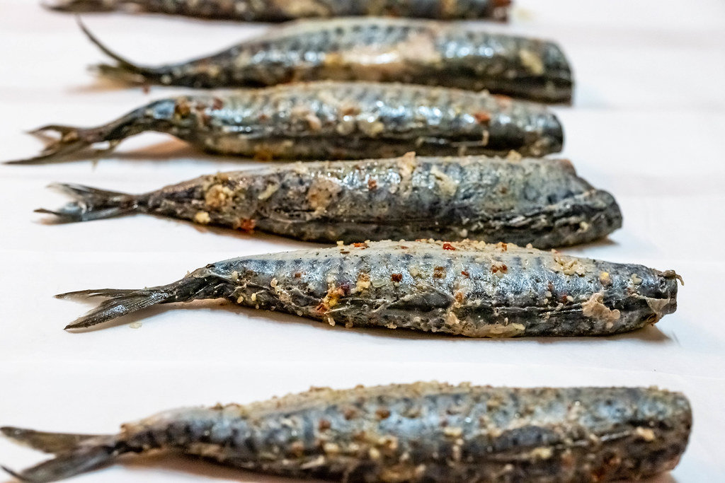 Fresh fish Mackerel with salt, lemon and spices