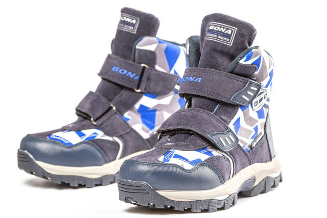 New winter blue boots for boy