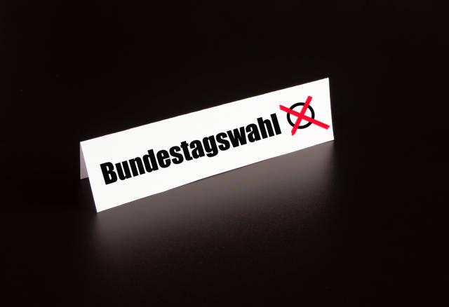 Bundestagswahl text on black background