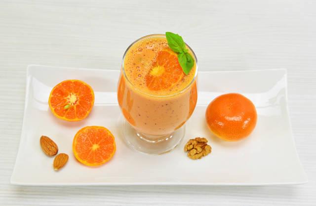 Clementinen-Nuss-Smoothie