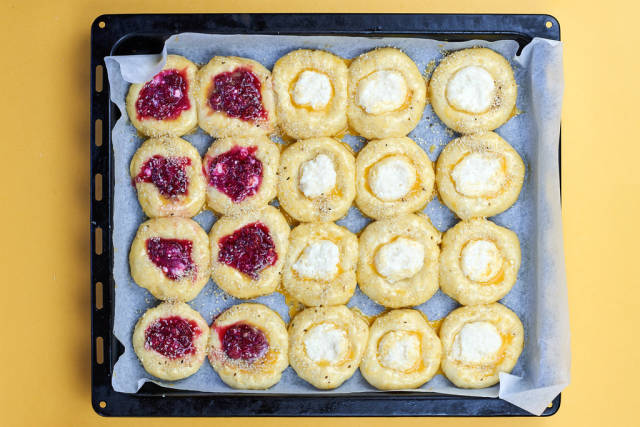 Overhead view of raspberry and cottage cheese buns
